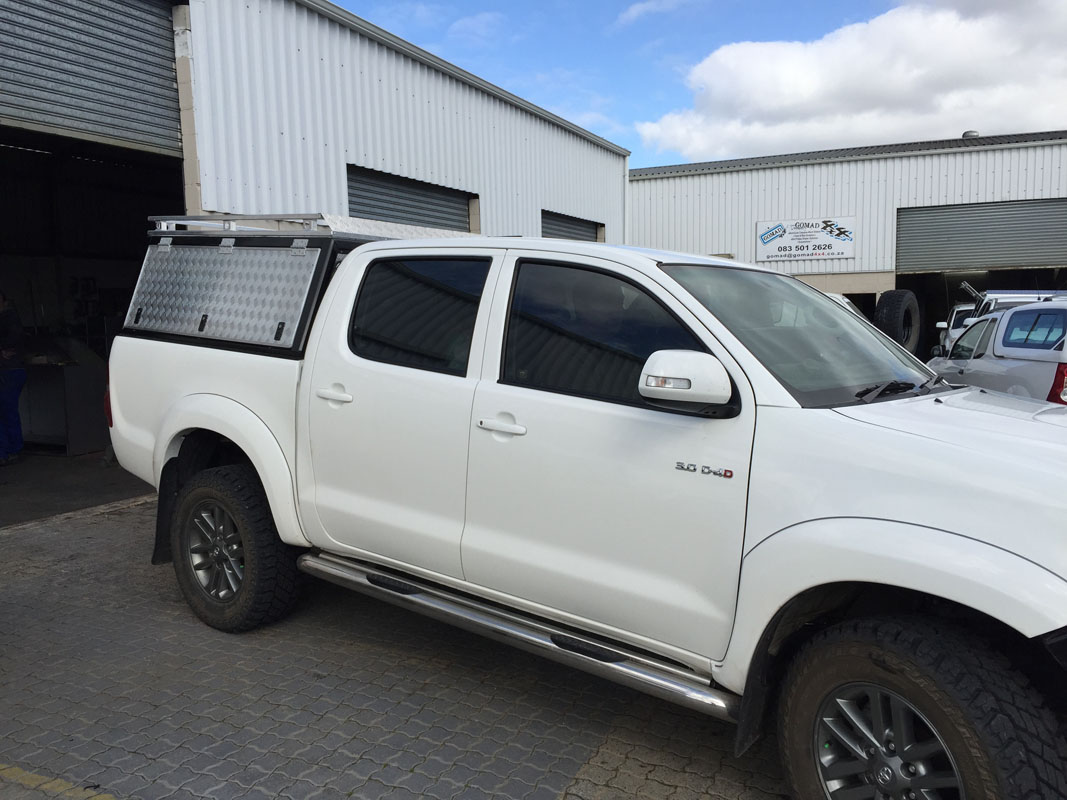 Toyota Hilux DC - Executive Canopy