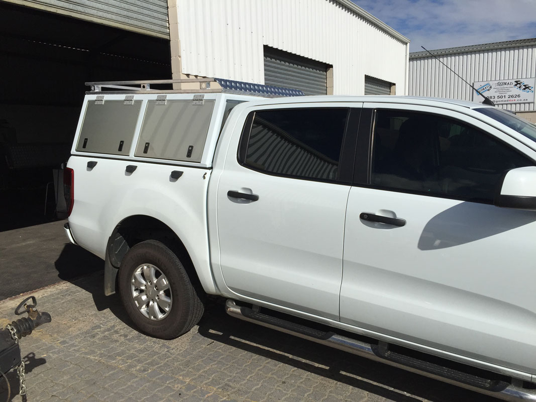 Ford Ranger DC - Executive Canopy with two side doors